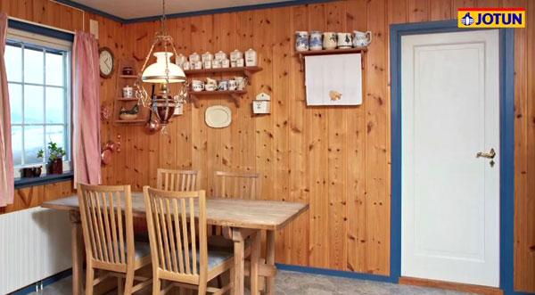 Utdatert rom med panelvegger