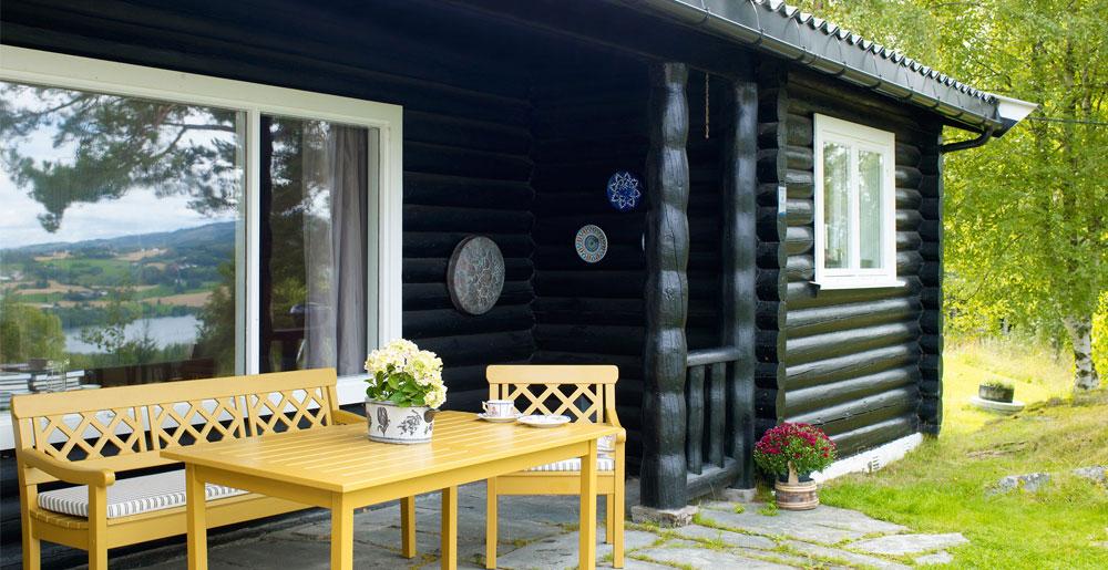 Mal hagemøblene dine i friske farger